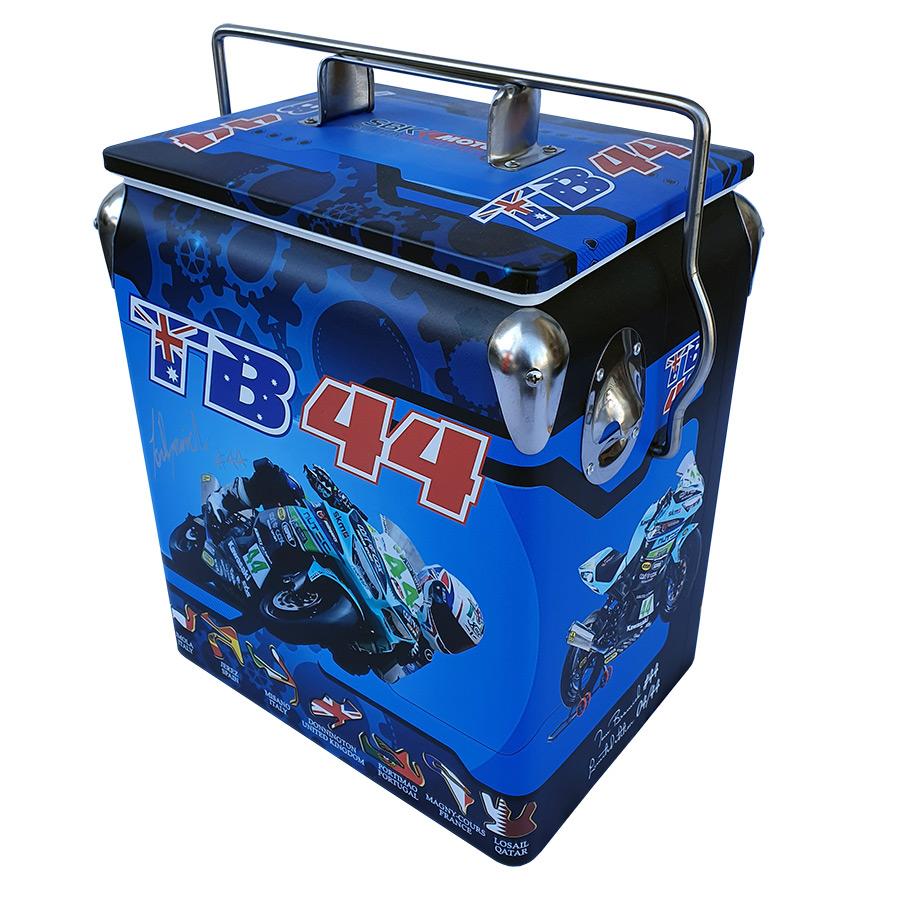 2019 TB44 Retro Esky - 17lt Retro Cooler - Corner 1